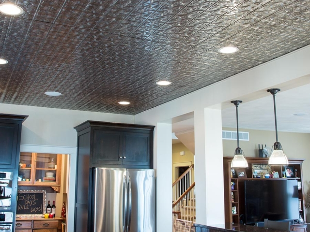 Traditional 1 ceiling in Crosshatch Silver