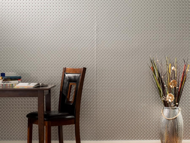 Diamond Plate wall panel in Argent Silver