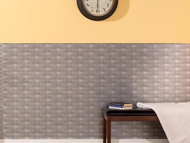 Rib wall panel in Crosshatch Silver